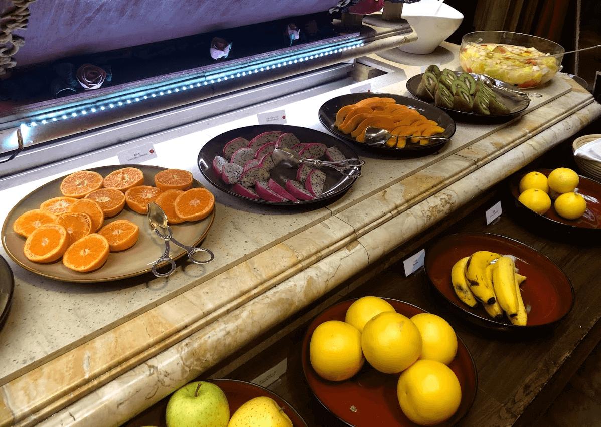 リッツカールトン大阪の朝食ビュッフェ1